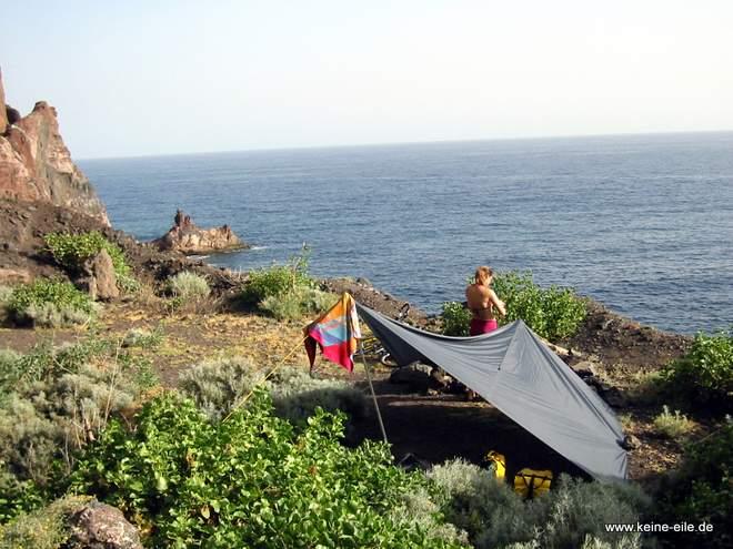 Radreise Kanaren: Zeltplatz mit Blick aufs Meer auf El Hierro
