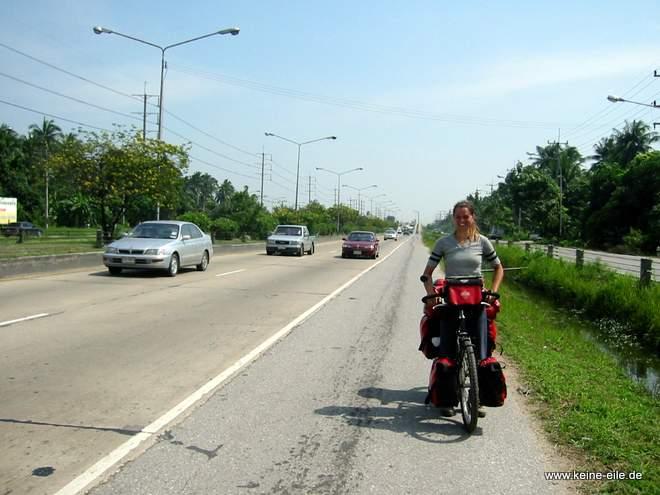 auf dem Weg von Bangkok nach Kanchanaburi