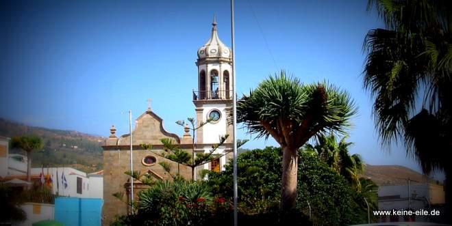 Radreise Teneriffa: In Granadilla wird die Kirchturmglocke noch per Hand geläutet