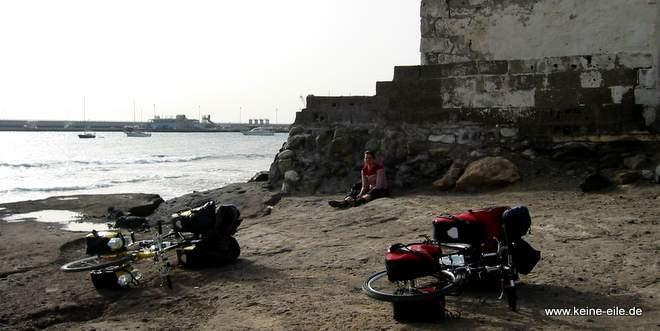 Radreise Teneriffa: Warten auf die Fähre nach El Hierro