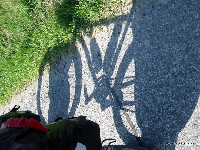Rad im Schatten