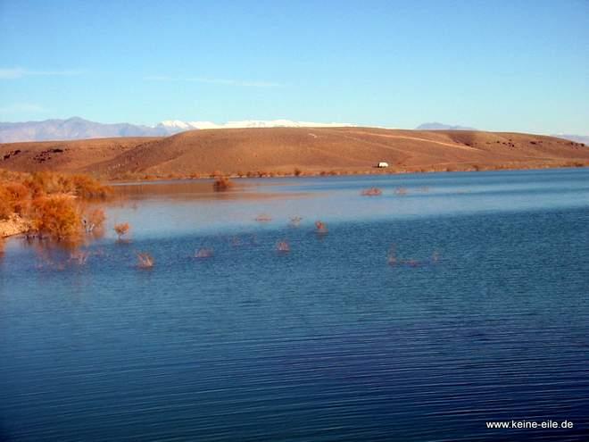 Roadtrip Marokko: Am Stausee bei Ouarzazate