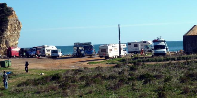 Portugal, Algarve, Boca do Rio, Wohnmobile am Strand