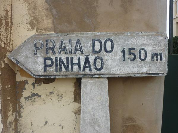 Hinweisschild zum Praia Pinhao, Lagos, Algarve, Portugal