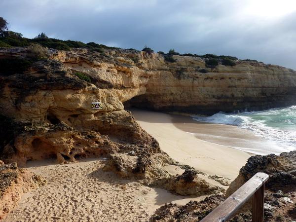 Reisebericht Praia da Marinha, Algarve, Portugal: Praia de Albandeira linke Seite
