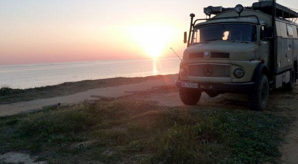 Sonnenuntergang in Quarteira, Algarve, Portugal