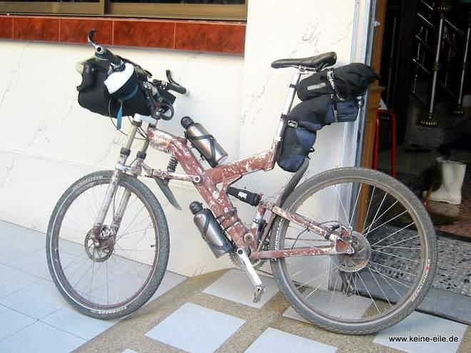 Das Reiserad von Sven - voll bepackt!