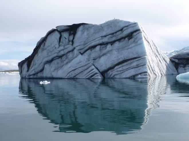 Beatrice Sonntag: Eisberg in der Jökulsarlon Gletscherlagune