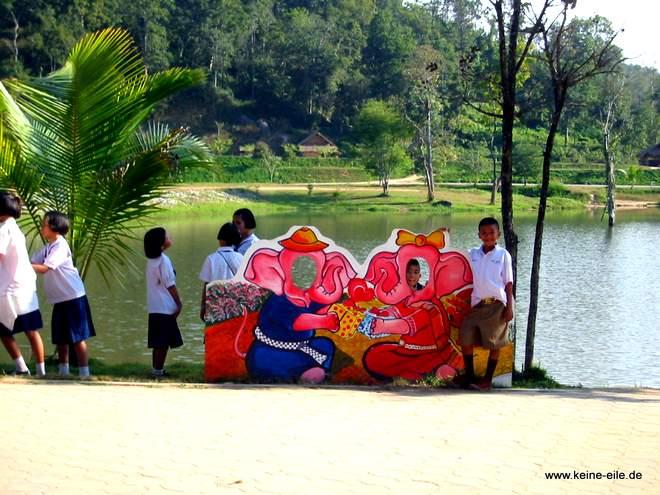 Kindergruppe im Elephant Conservation Center