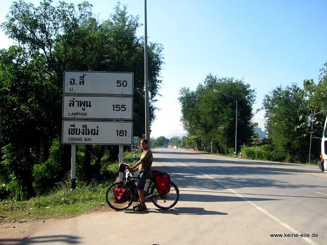 Straßenschild Chiang Mai noch 181 km