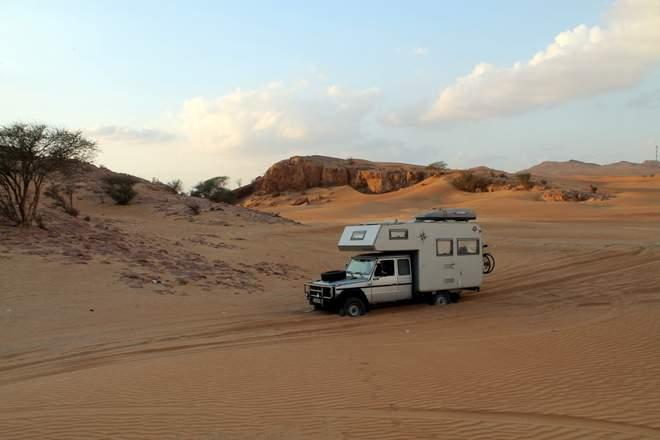 Mercedes Geländewagen G W461 in der Wüste in den VAE