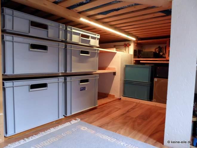 Wohnmobil Selbstausbau Im Keller haben wir ein Regal für die grauen Euro-Kisten aus dem Baumarkt geplant. Da passt ne Menge rein.