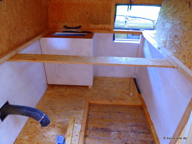 Wohnmobil selbstausbau Das wird mal das Bett. Darunter Stauraum, der so genannte Keller