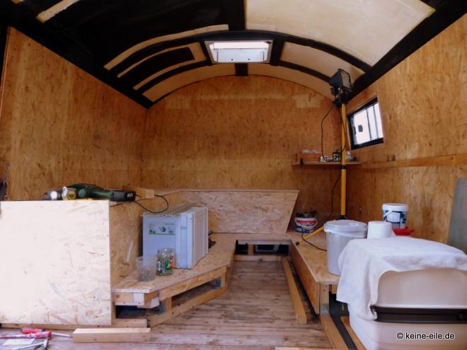 Wohnmobil Selbstausbau Eine neue Sitzbank ensteht und nimmt langsam Form an