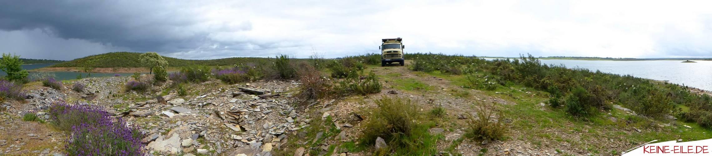 Auf einer Halbinsel im Alqueva Stausee bei Luz
