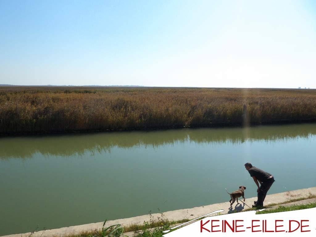 Anreise Griechenland: Am Kanal in der Lagune von Venedig