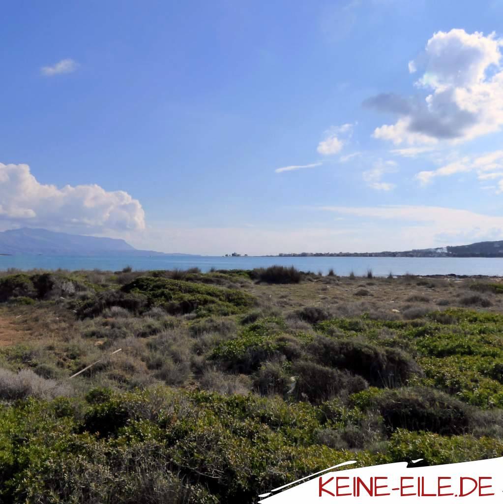 In der Bucht von Neapoli: Gegenüber liegt die kleine Insel Elafonisios