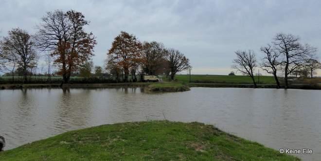 Übernachtung am Teich bei Tronget, Frankreich