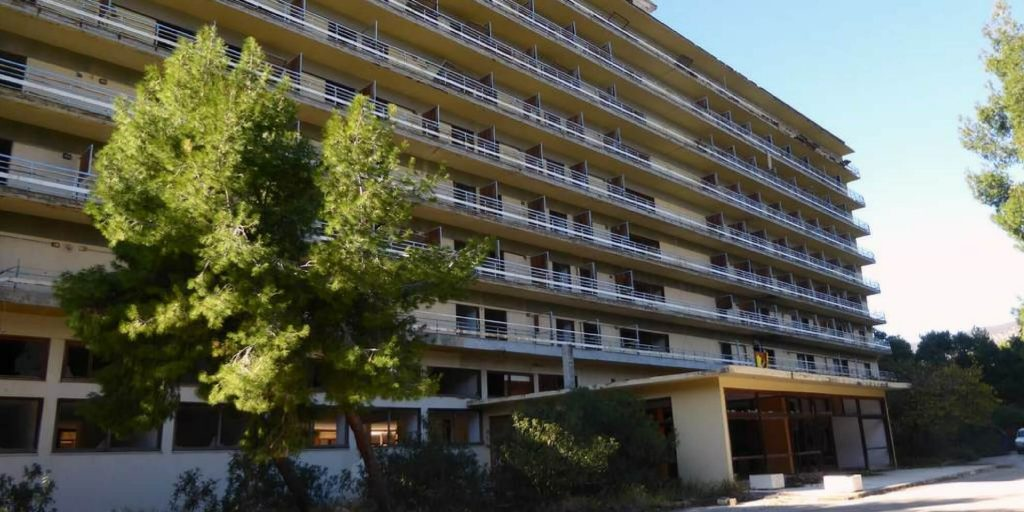 Lost Place Salandi Beach Hotel