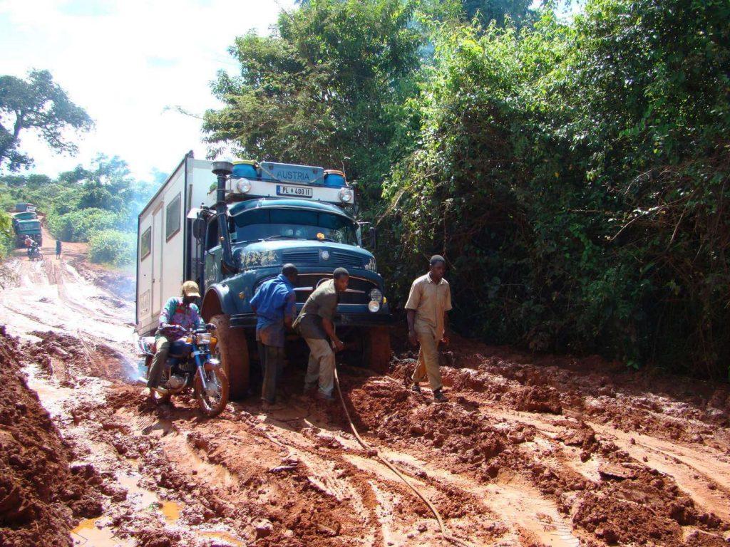 Mercedes 1113 in Kamerun