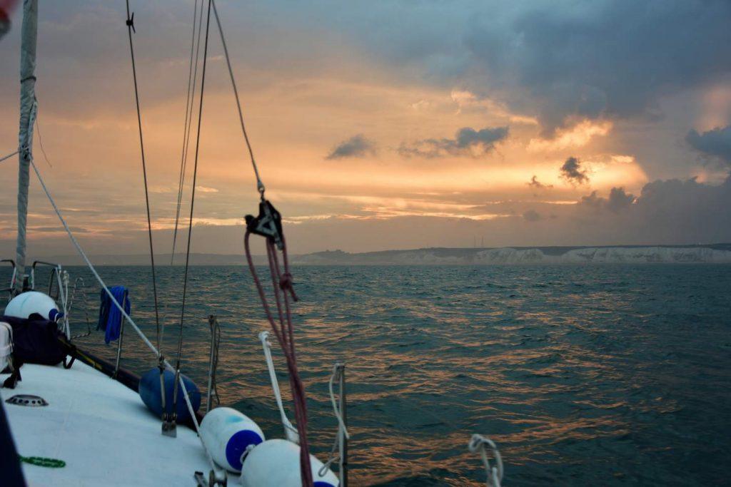 Segeln England: Dover im Abendlicht