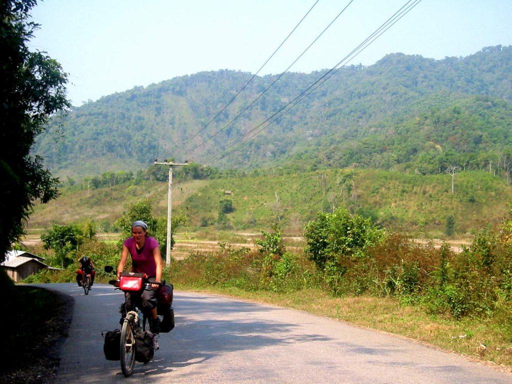 Steffi mit dem Rad in Thailand