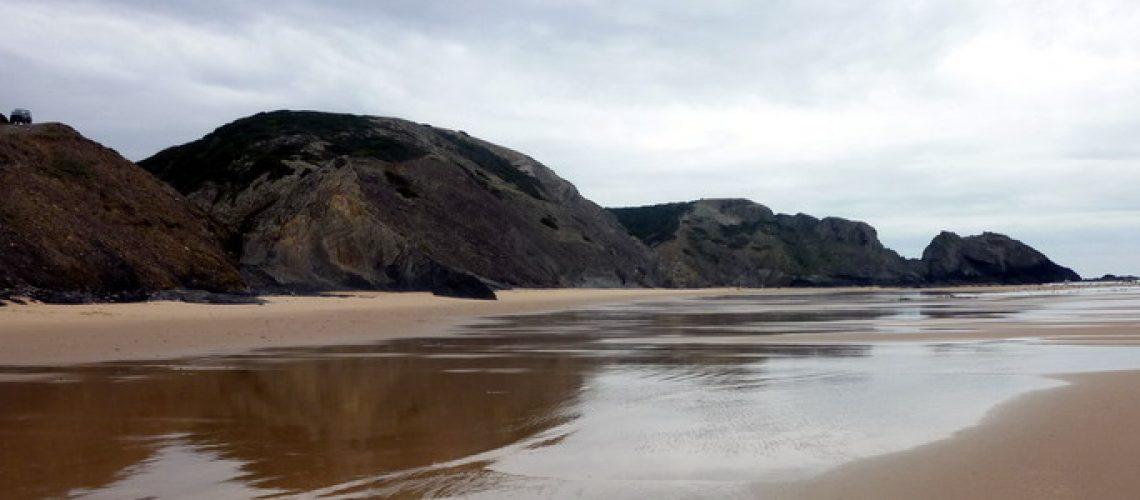 Praia do Vale dos Homens 740x300